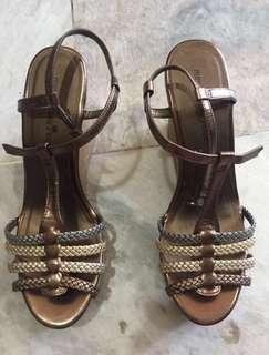 RUSH!!! Wedge sandals