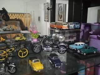 Lelang  : Miniatur koleksi pribadi