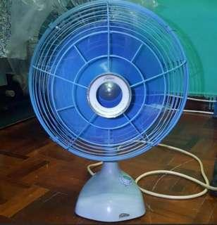 Table Fan Toshiba Electric type ET2