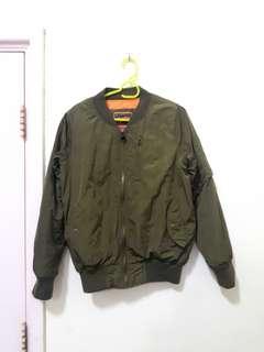 🚚 軍綠外套