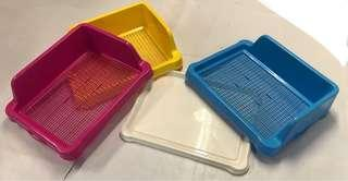 Pee or poo tray for puppies