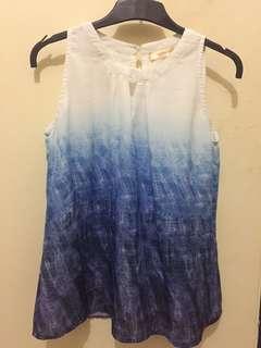 Blouse putih biru