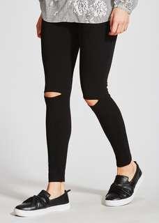 knee ripped leggings