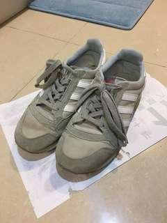 🚚 ADIDAS復古跑步鞋