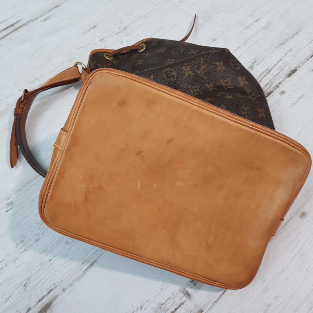 a5c4d844a616 AUTHENTIC LV Bucket Bag classic Monogram Canvas Louis Vuitton ...