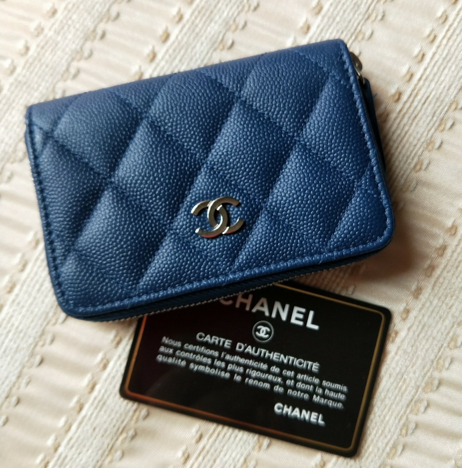 6c8ee2268cc0 BN CHANEL O COIN PURSE 18C, Luxury, Bags & Wallets, Wallets on Carousell