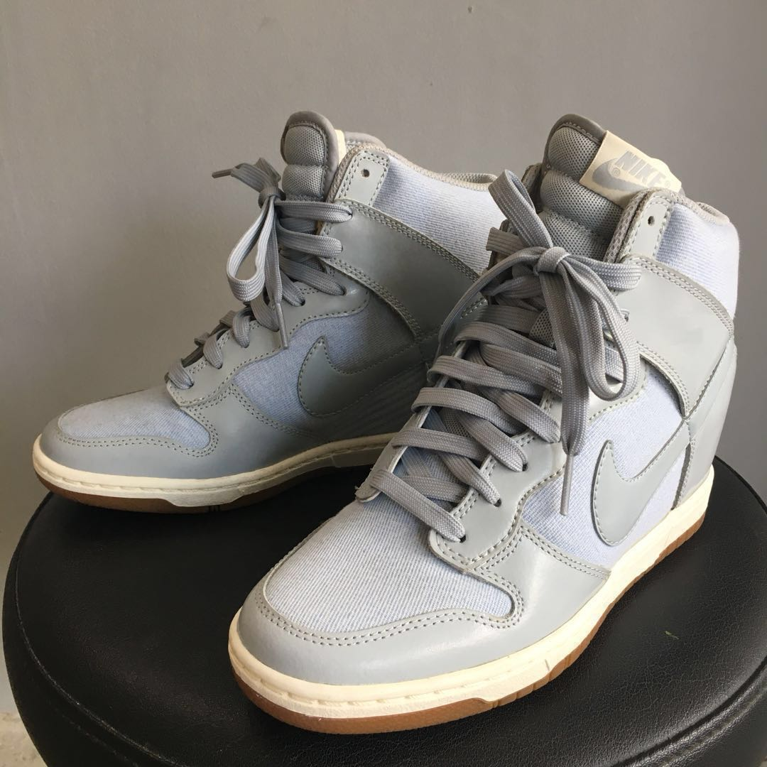 FREE SF! Nike Dunk Sky-High Sneakers 8ea97ec913