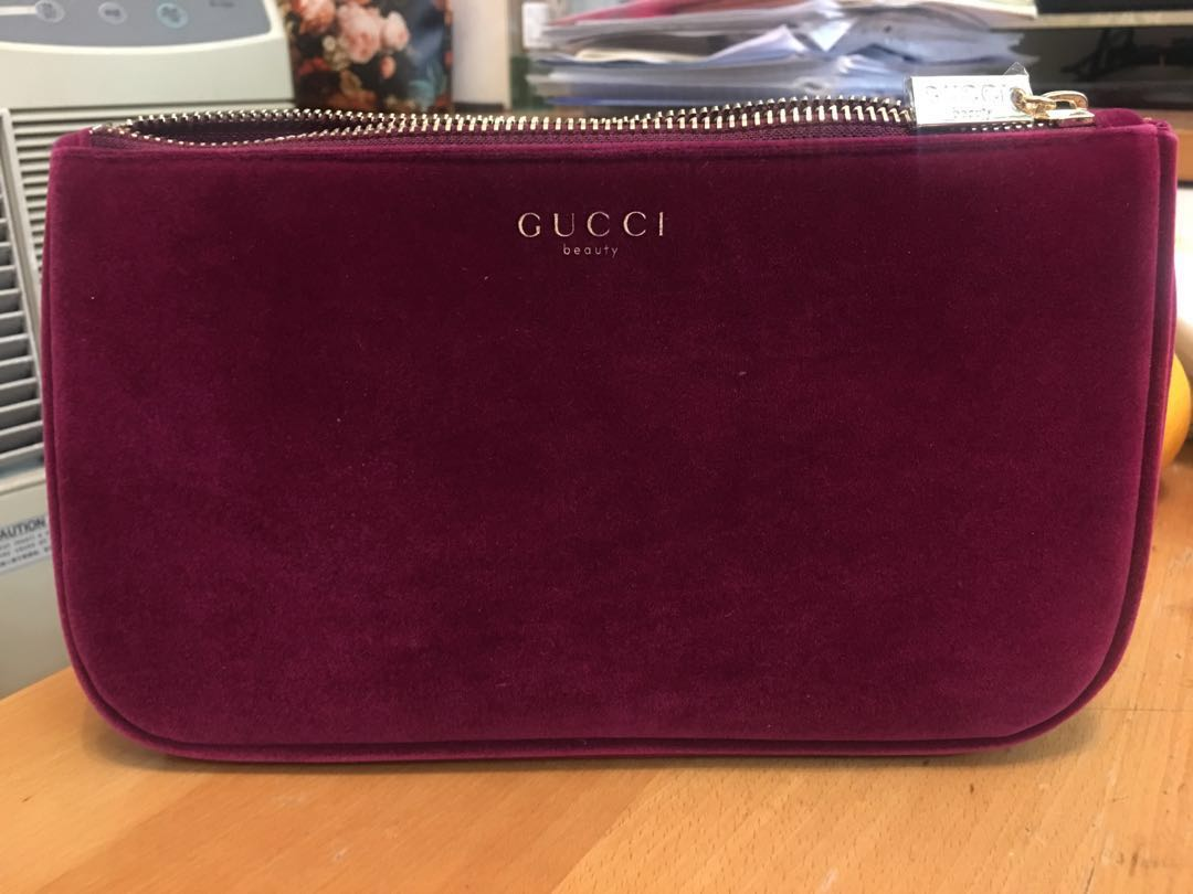2b4224dcf0fe GUCCI MAKEUP BAG (Red Velvet -Big Size) 100%new!!!!, Luxury, Bags & Wallets  on Carousell