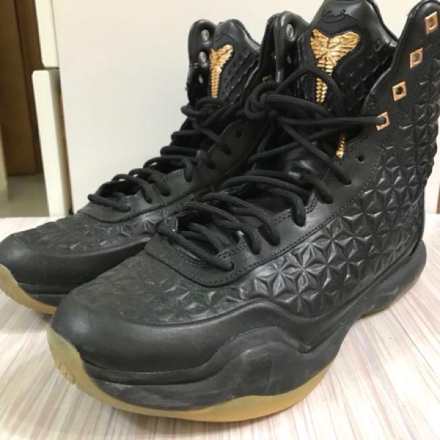 Nike Kobe 10 紀念版黑金色Adidas NMD