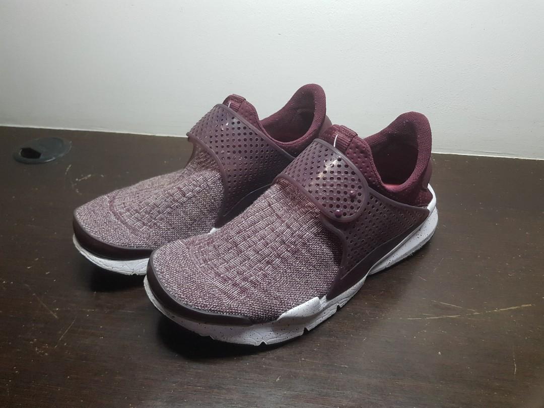 free shipping b3648 f921c Nike Sock Dart SE Premium  Maroon Night , Men s Fashion, Footwear ...