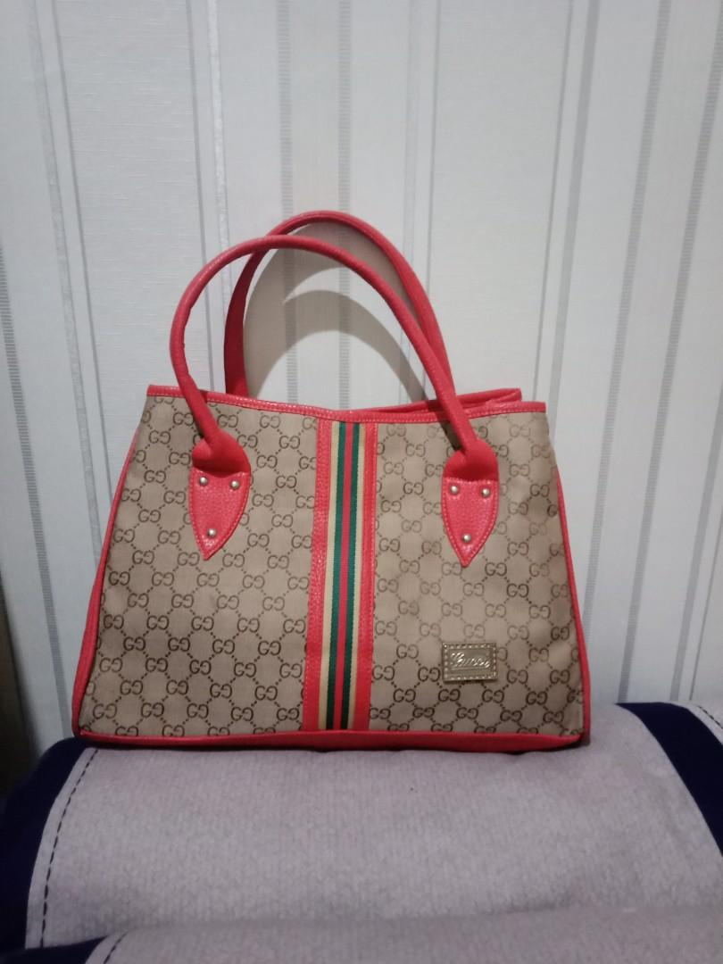 Tas Gucci murah,, kbanyakan tas, pngen kosongin lemari isi dgn koleksi yg baru
