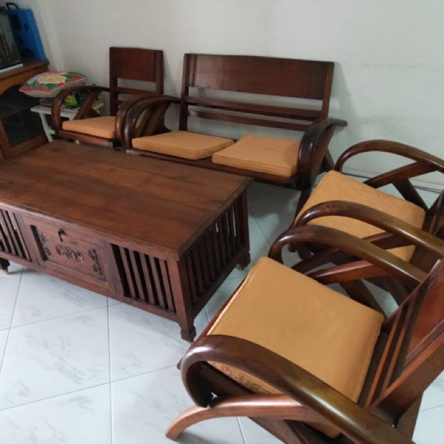 Wooden Furniture Table And Chairs Furniture Tables Chairs On