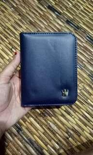 Crown purse