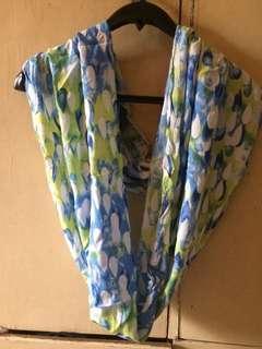 Raindrops blue Nursing scarf