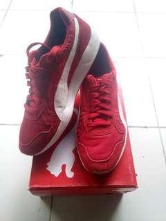 Sepatu PUMA original merah size 43