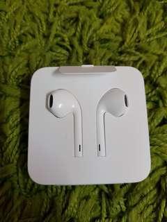 Original Apple EarPods Lightning Connector (With Warraty)