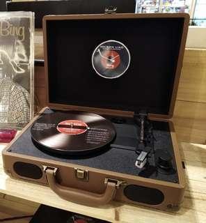 """🚚 我的時尚""""英式復古黑膠唱片機"""" Lovely Brown 《交換禮物首選》"""