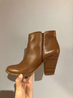 Jessica Simpson Booties Women's Size 6