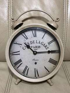 "Vintage Style Clock - 8""⏰"