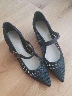 Black shoes Sz 5.5