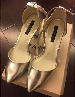 collectpoint JEANASIS 日系一字扣 尖頭粗高跟鞋 heels