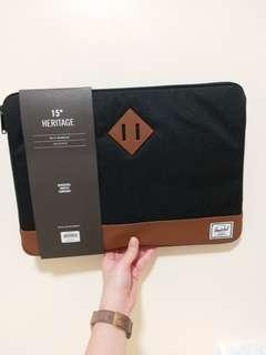 "Herschel *NEW* 15"" mac book sleeve"
