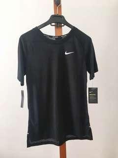 BNWT Nike Dri-Fit Shirt - Size XS