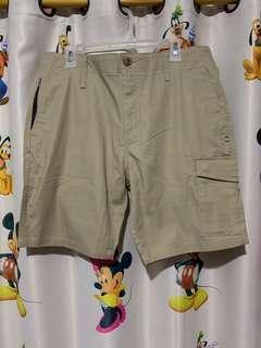 Celana pendek Oakley