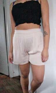 Size 8 flowy H&M shorts