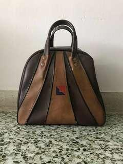 Vintage Leather Bowling Bag for one ball