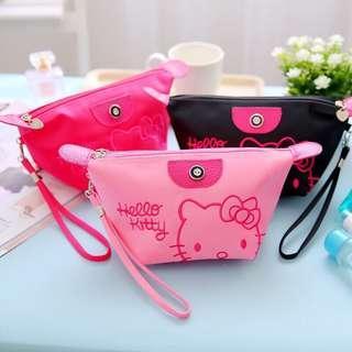 🚚 Hello Kitty Waterproof Cosmetic Pouch