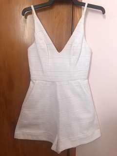 STUNNING SIMPLE PLAYSUIT - SIZE 6