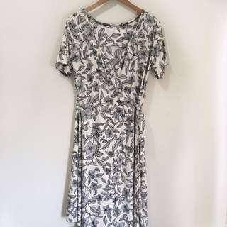 2xl plus size stretchy floral midi wrap dress
