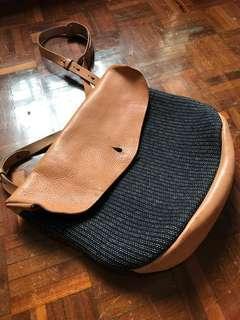 Taiwan handmade leather shoulder bag