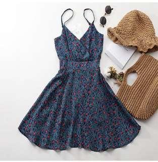 小花細肩可調整長度洋裝