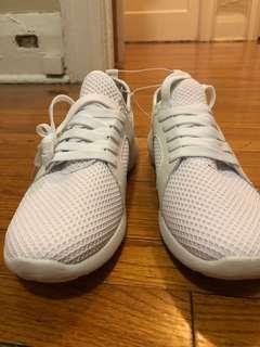 Brand new white sneaker - Ardenes
