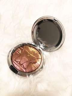 Mac Extra Dimension Skinfinish in Snowflushed 10g