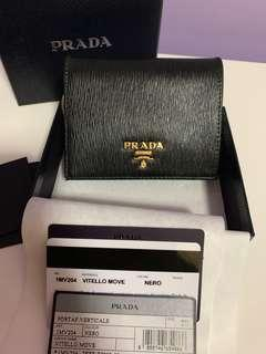 [ Pending] Prada Saffiano Leather Short Bi-Fold Slim Wallet