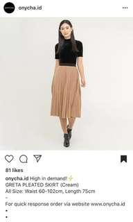 onycha brown pleated skirt