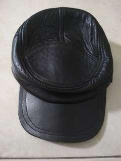 Topi Kulit pria