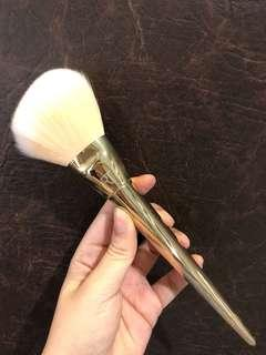NEW RT powder brush arched