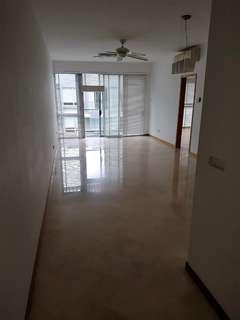 FOR RENT. Next to Dhoby Ghaut MRT. 3 Bedders + 1 Duplex Penthouse 2626sf. Next to Dhoby Ghaut MRT/ Plaza Singapura. Private Jaccuzi & Open Roof Terrace to host a big crowd!