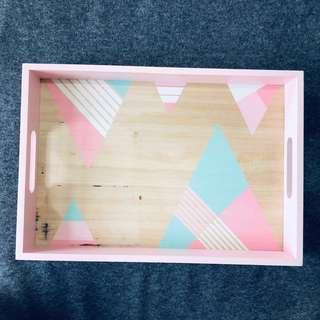 Scoop wooden pink tray