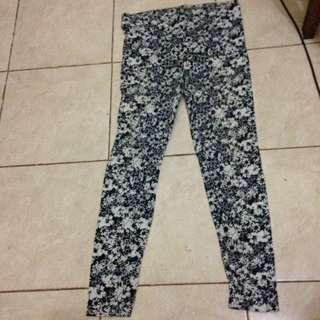 stradivarius floral legging / legging motif bunga stradivarius