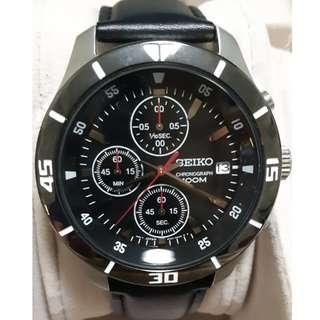 New SEIKO Chronograph with Date