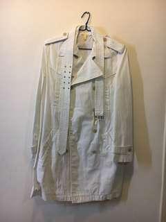 Zara 白色外套。從未使用,已洗! Zara white jacket, never use, washed !