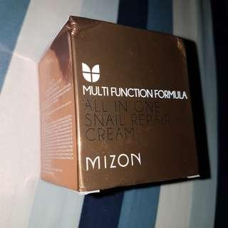 Mizon Multi Function Formula All in One Snail Repair Cream.