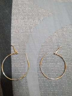 THIN CIRCLE EARRINGS