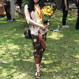 Kebaya Wisuda / Graduation