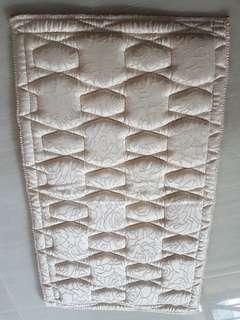 Diamond pillow padding